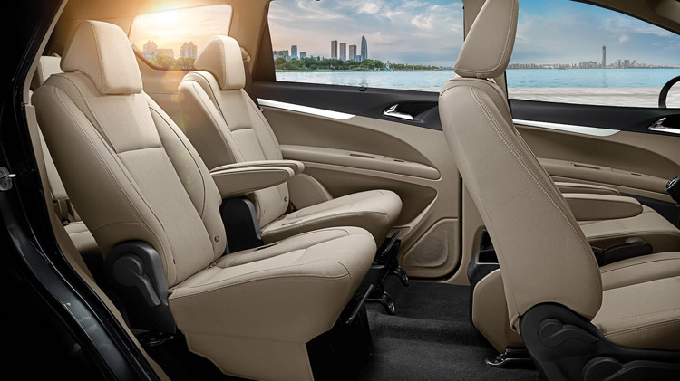 mahindra-marazzo-seating