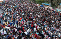 India's pandemic lockdown turns into mass migration