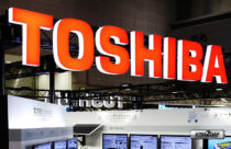 Toshiba transfers shares to Sharp and exits from PC business